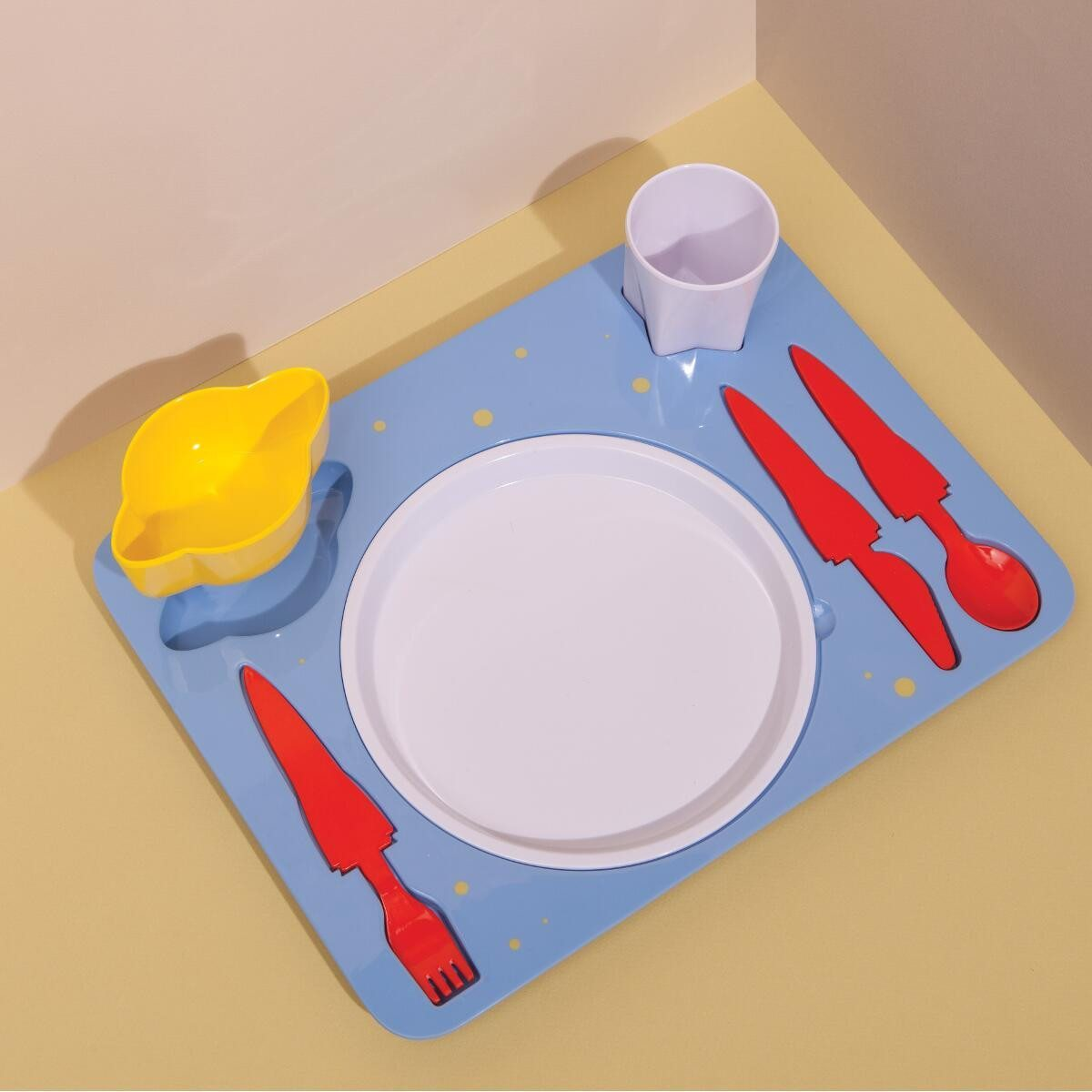 Dinner Set Space - Still